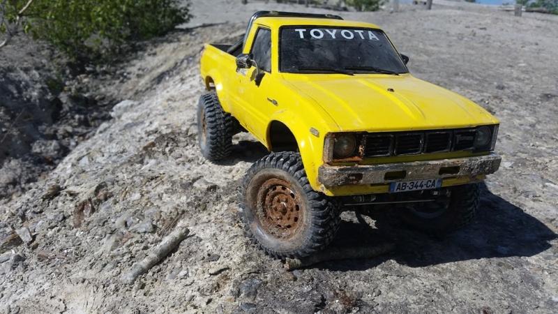 Mon Toyota Hilux Jaune 20160511