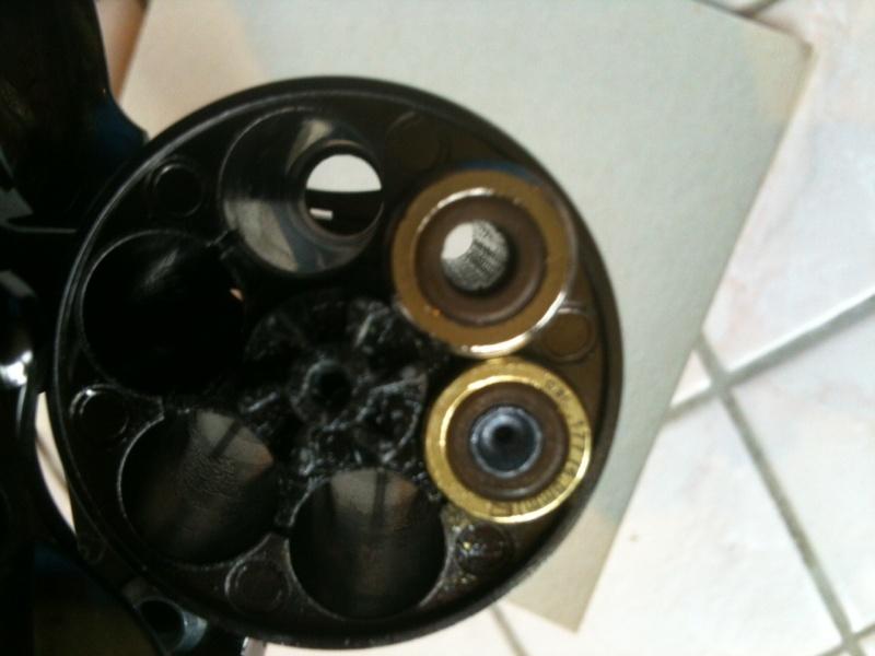 Tests comparatifs revolvers et pistolets CO² - Page 2 Cartou10
