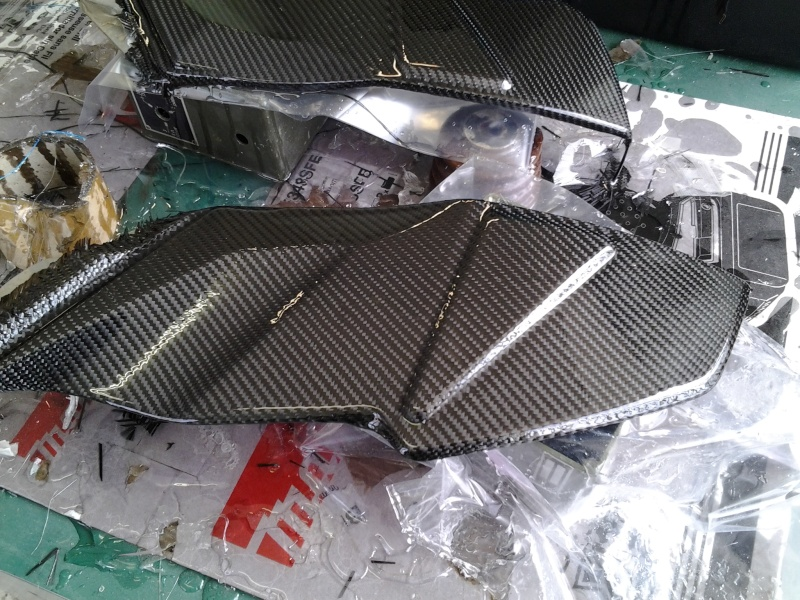 Montage pièces carbone 20160412