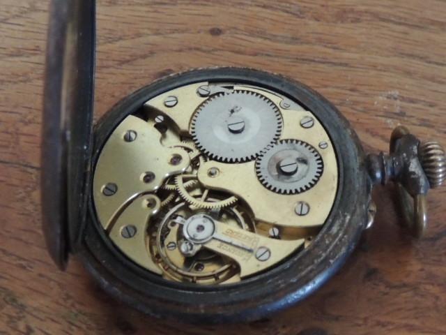 La valeur de ces 3 montres à gousset? Mondia12
