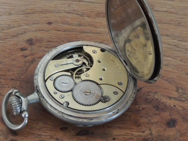 La valeur de ces 3 montres à gousset? Omega_10