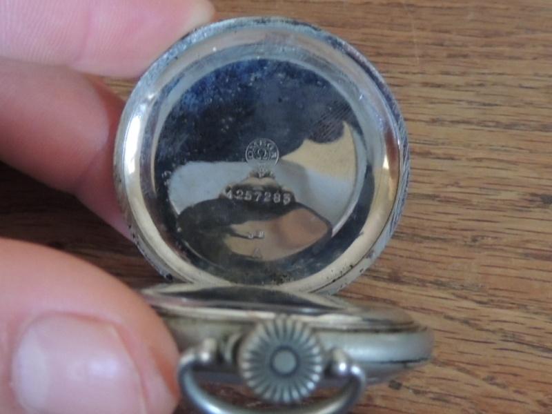 La valeur de ces 3 montres à gousset? Omega_11