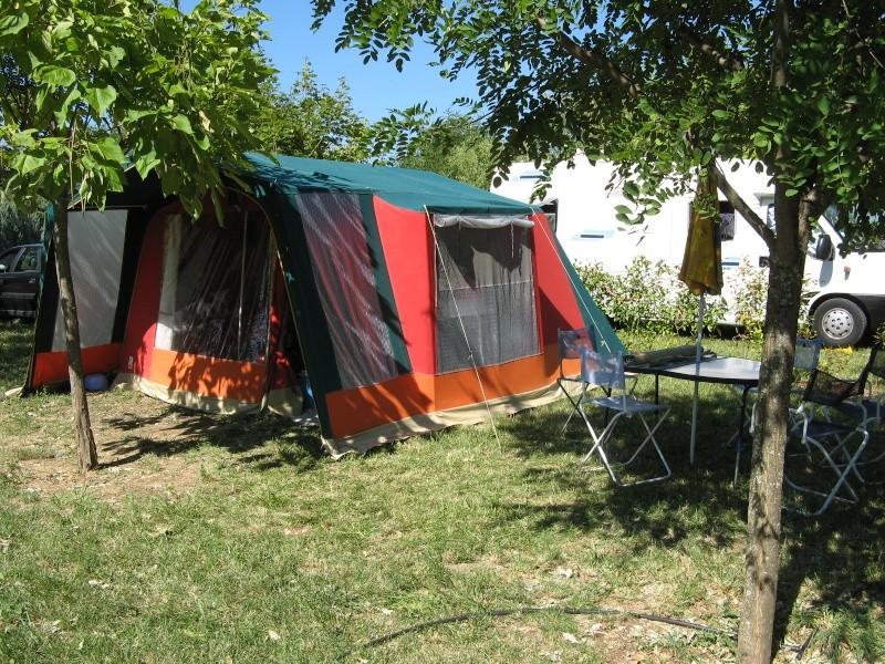 Peut-être une tente...... Tente_10