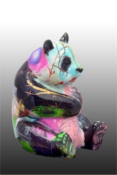La Convoitise du Panda Coloré !  Statue10