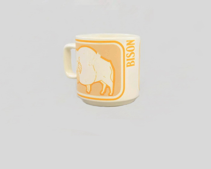 white - Show us your mugs .... Crown Lynn of course ;) - Page 8 Mug_cr11