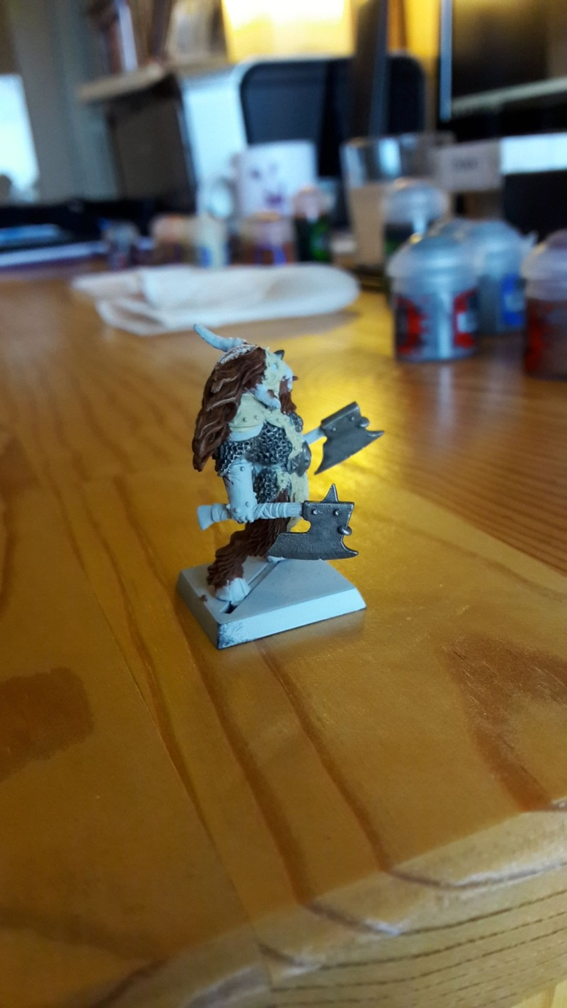 Beastlord avec deux haches Eclair13