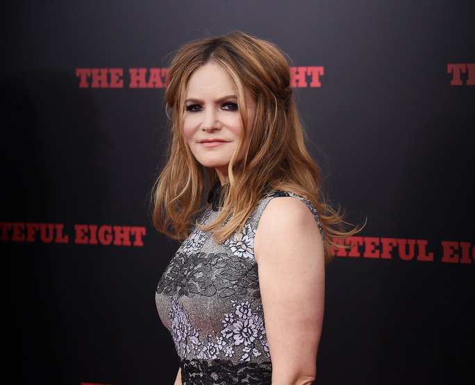 Jennifer Jason Leigh Height,Weight,Body Statistics,Net Worth and facts 12171510