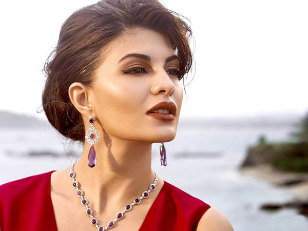 Jacqueline Fernandez Height Weight Measurements and Photos 15-14311