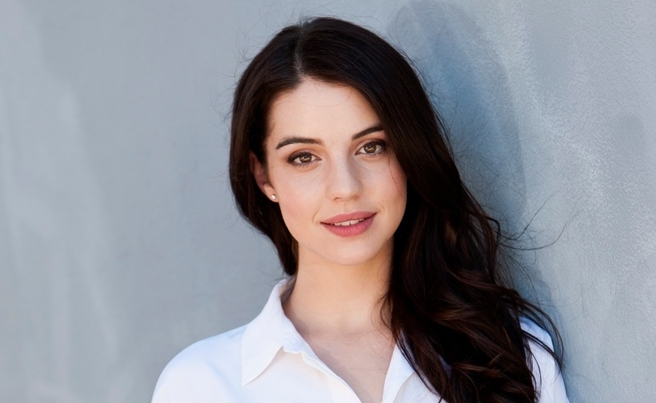 Adelaide Kane Height Weight Body Measurements and Net Worth A_281211
