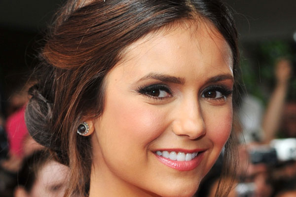 Nina Dobrev Height,Weight,Body Statistics,Net Worth and Boyfriends Hairst10