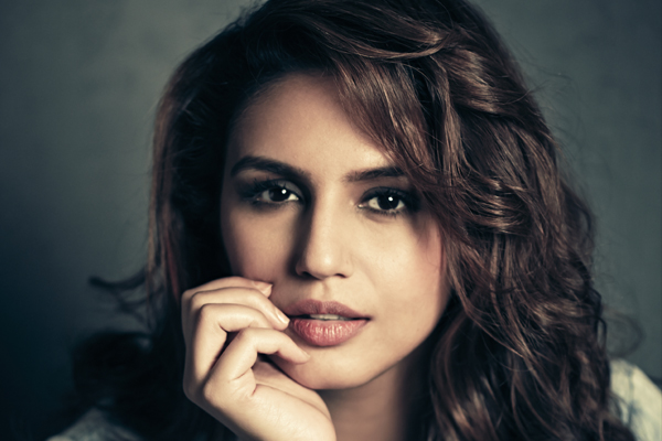 Huma Qureshi: Height, Weight, Body statstics and Relationships: Huma10