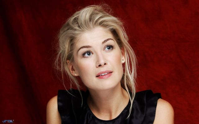 Rosamund Pike Height,Weight,Age,Net Worth,Affairs and facts Is-thi10