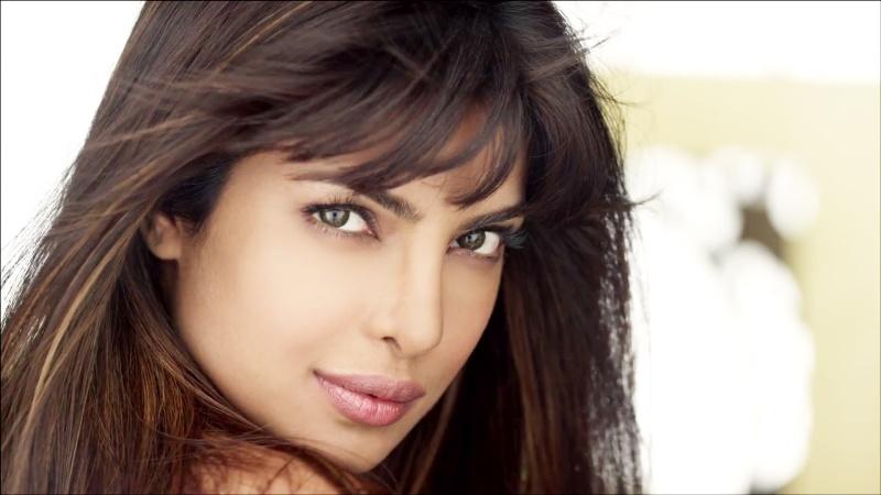 Priyanka Chopra: Height, Weight, Net worth and Body Statstics Pc110