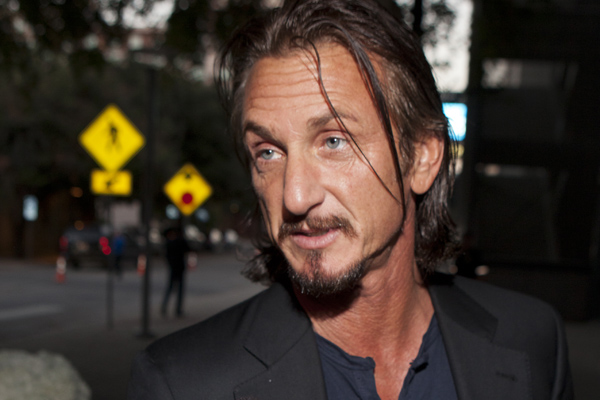 Sean Penn Height,Weight,Age,Family,Net Worth and more Seanpe11