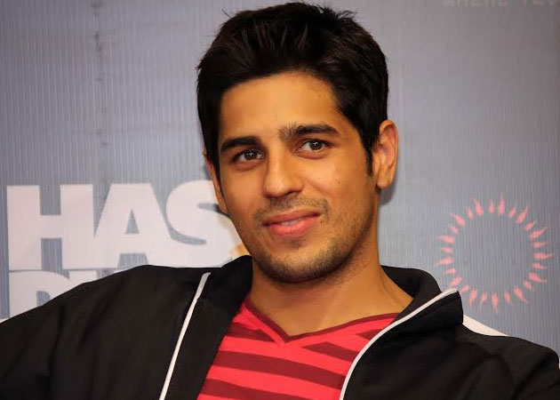 Sidharth Malhotra: Height, Weight, Net Worth, Girlfriends and more Sidhar10