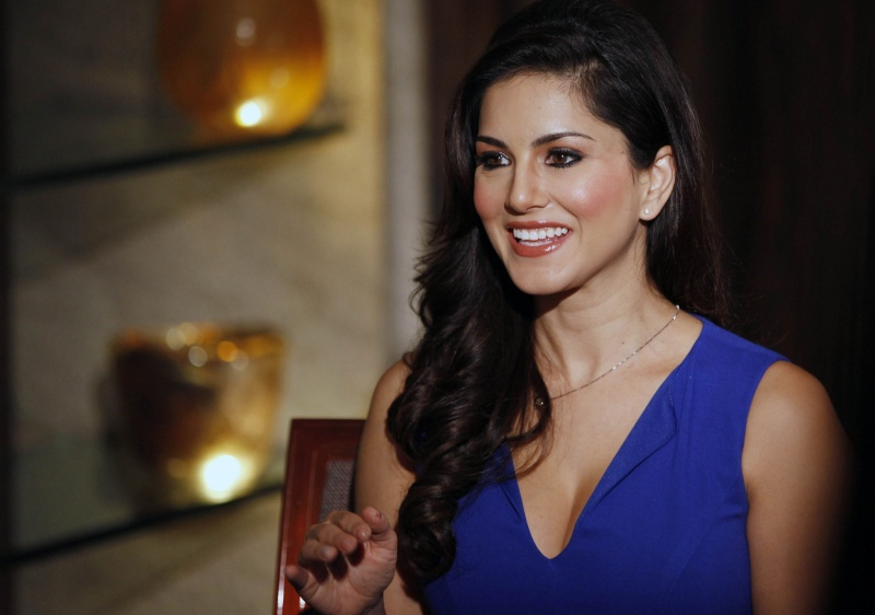 Sunny Leone: Height,Weight,Body Statistics,Net Worth and Boyfriends Sunny-10