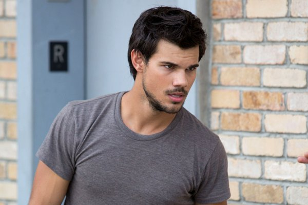 Taylor Lautner Height,Weight,Family Tree,Net Worth and Girlfriends Taylor27