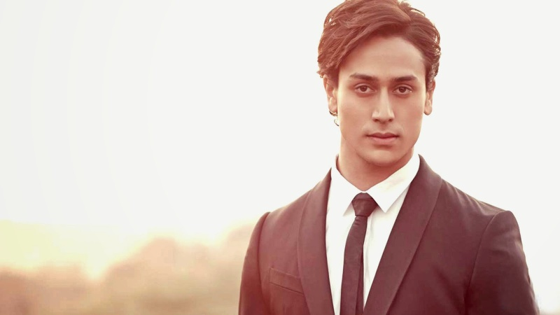 Tiger Shroff: Height, Weight, Net Worth, Relationships and more Tiger10