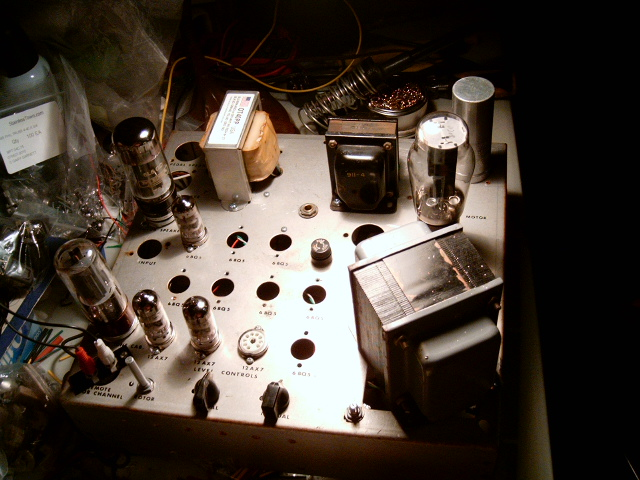 MY FIRST TUBE AMP BUILT FROM SCRATCH Hpim0912