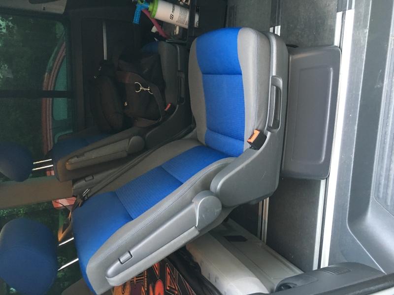 Vds 2 sièges individuels pivotants pour Multivan Image14