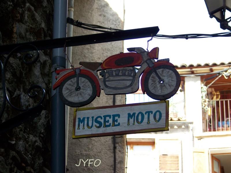 LE MUSEE CITROEN DE CASTELLANE 100_5414