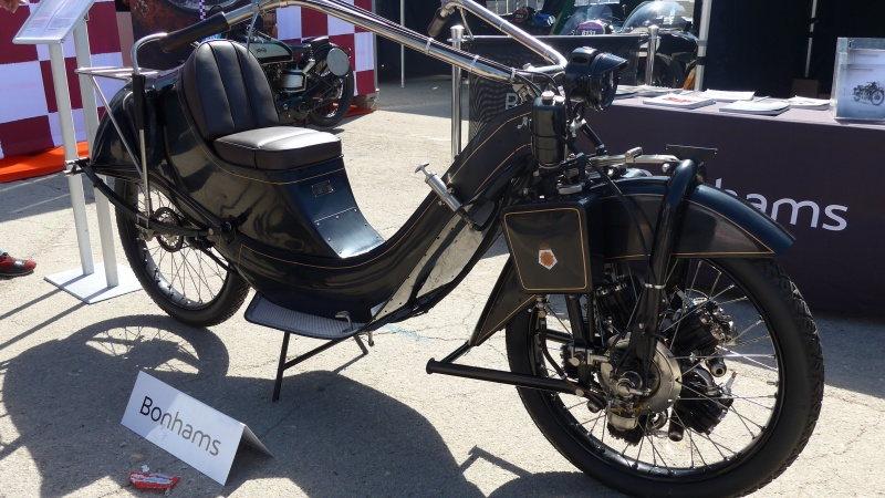 une journee a dijon :moto legende P1020415