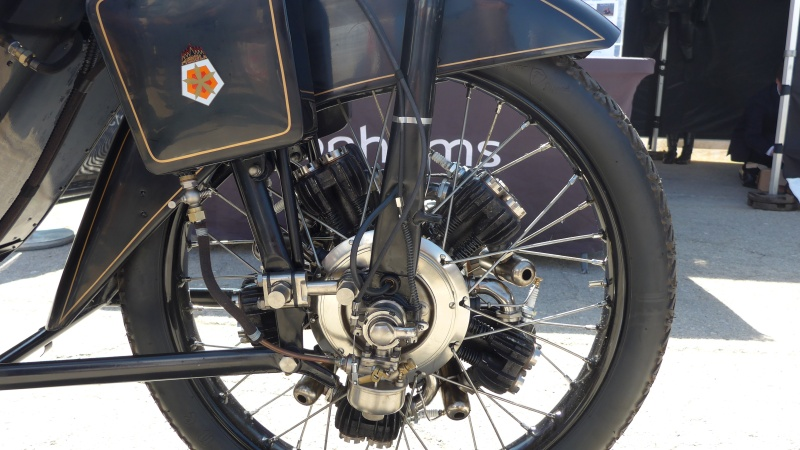 une journee a dijon :moto legende P1020417