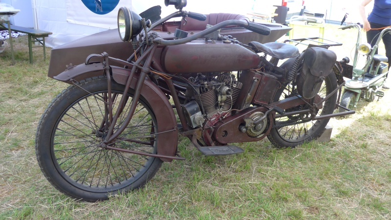 une journee a dijon :moto legende P1020511