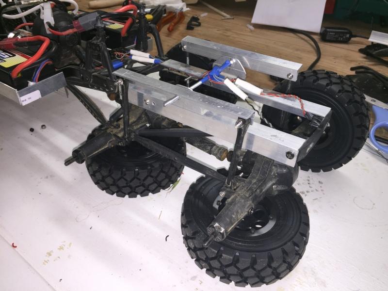 Fabriquer un Balancier pour 6x6 et 8x8 Scale Trial et Crawler fait maison et pas cher - Page 2 Img_1829