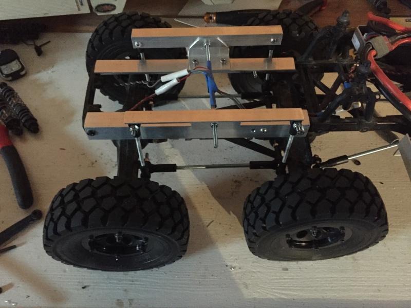 Fabriquer un Balancier pour 6x6 et 8x8 Scale Trial et Crawler fait maison et pas cher - Page 6 Img_1836