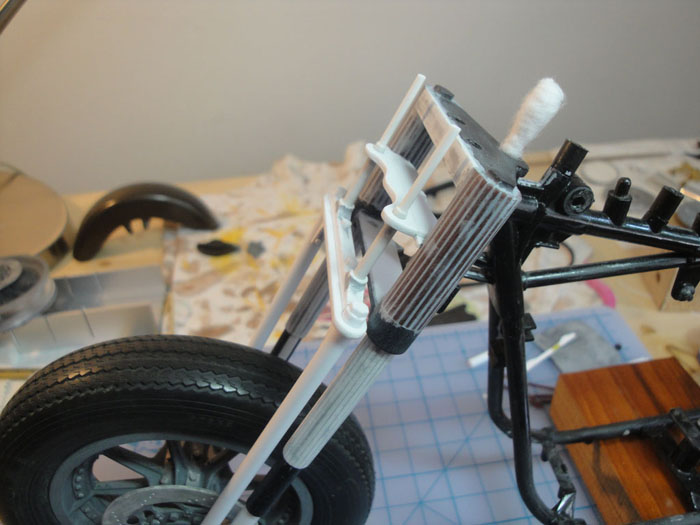 Steampunk Harley - Tamiya 1/6 HD FLH Classic 'extreme' kit bash (Very Photo Heavy) Hd_mo143