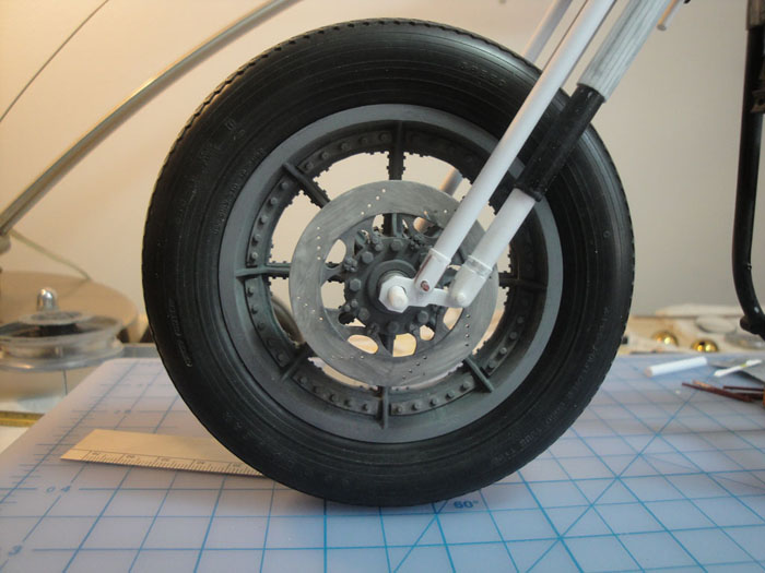 Steampunk Harley - Tamiya 1/6 HD FLH Classic 'extreme' kit bash (Very Photo Heavy) Hd_mo154