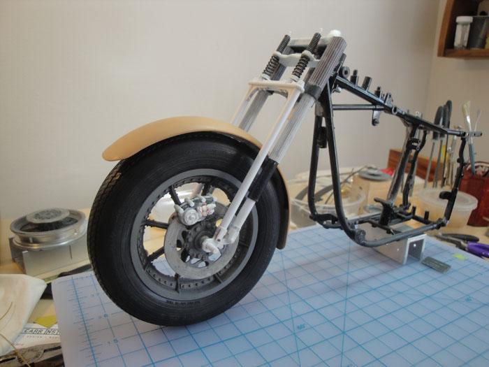 Steampunk Harley - Tamiya 1/6 HD FLH Classic 'extreme' kit bash (Very Photo Heavy) Hd_mo193