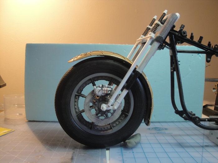 Steampunk Harley - Tamiya 1/6 HD FLH Classic 'extreme' kit bash (Very Photo Heavy) Hd_mo207