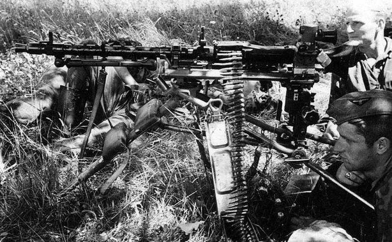 La Maschinengewehr 34/41 ou MG 34/41 et la MG42  Image36