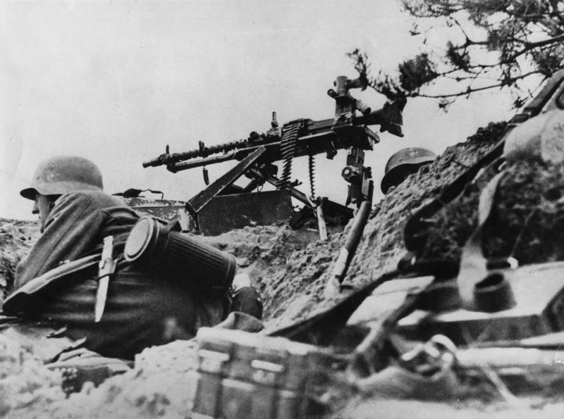 La Maschinengewehr 34/41 ou MG 34/41 et la MG42  Image39