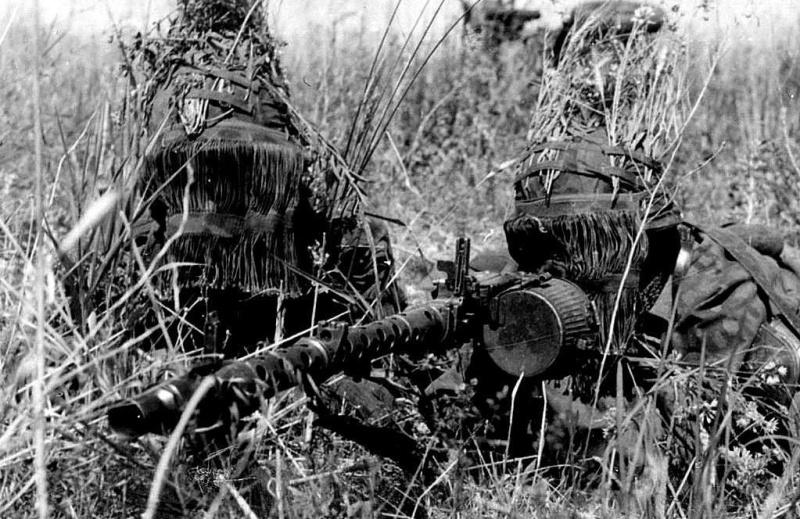 La Maschinengewehr 34/41 ou MG 34/41 et la MG42  Image51