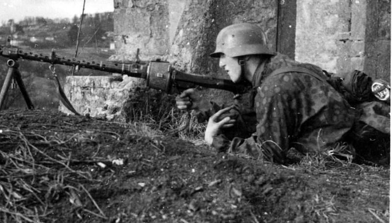 La Maschinengewehr 34/41 ou MG 34/41 et la MG42  Image53