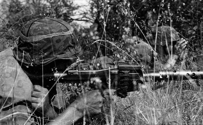 La Maschinengewehr 34/41 ou MG 34/41 et la MG42  Image54