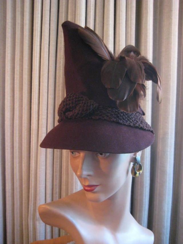 Et elle avait ! elle avait ! elle avait un chapeau rigolo ! et une drôle de petite robe... LA MODE PENDANT LA GUERRE EN FRANCE ET COTE US 19313210