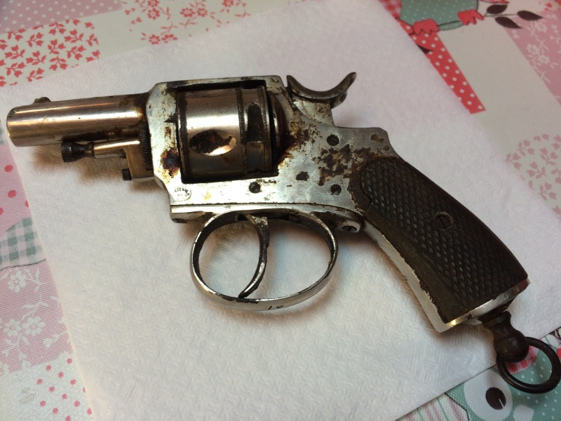 Deux revolver et une epee Fullsi15