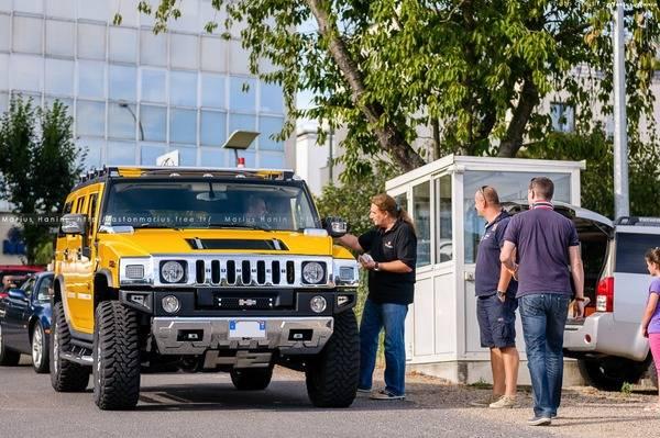 Aimez vous le Hummer en couleur jaune ? Mhp-2010