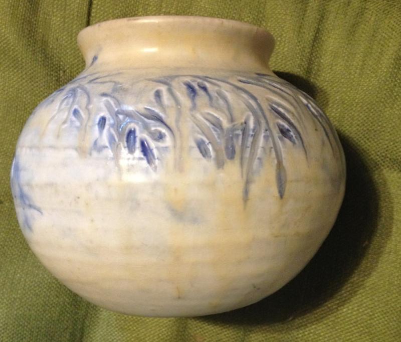 """Mystery art pottery vase  by """"LOU""""? Lou310"""