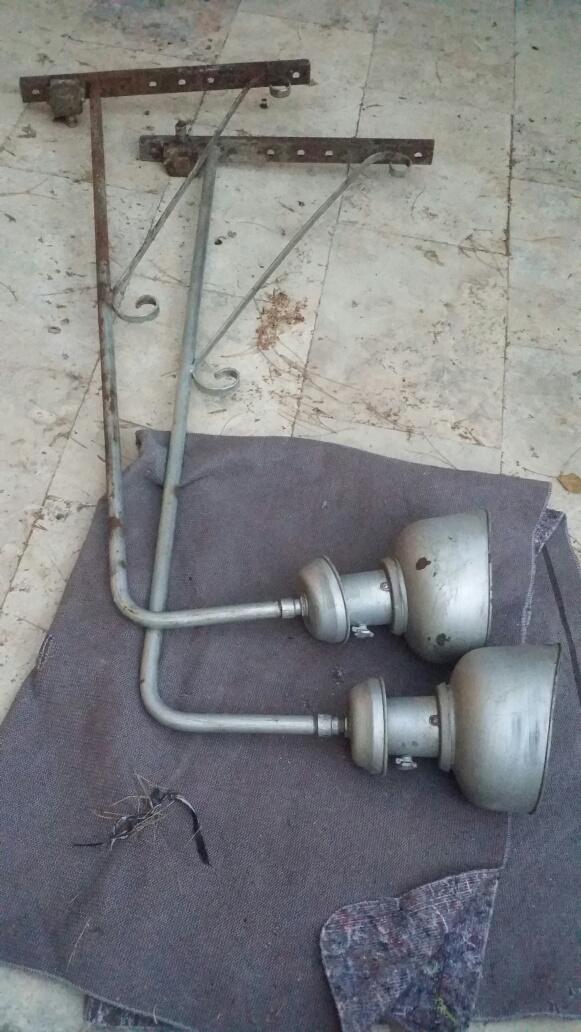 Connaissez-vous l'époque de ce lampadaire? Img_7110