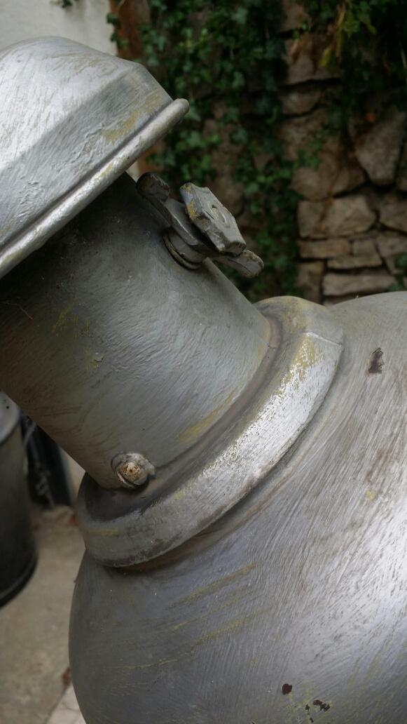 Connaissez-vous l'époque de ce lampadaire? Img_7111