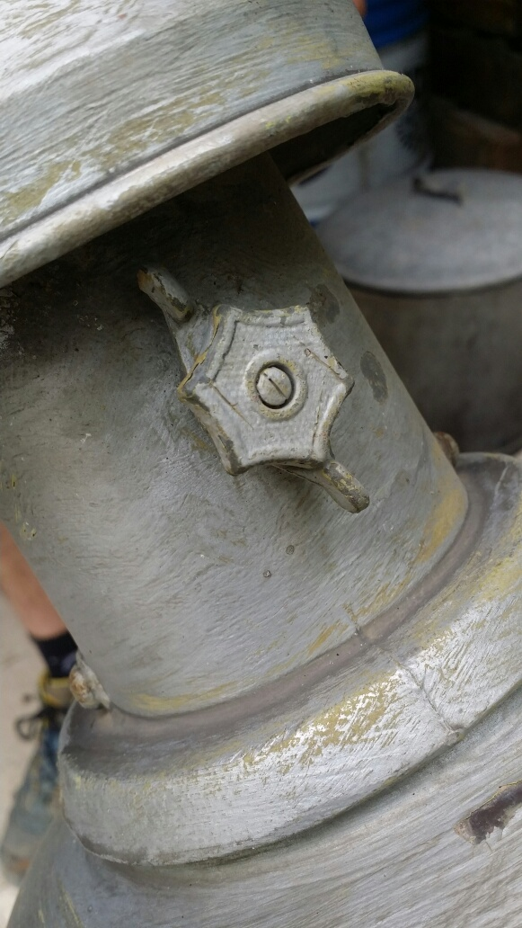 Connaissez-vous l'époque de ce lampadaire? Img_7113