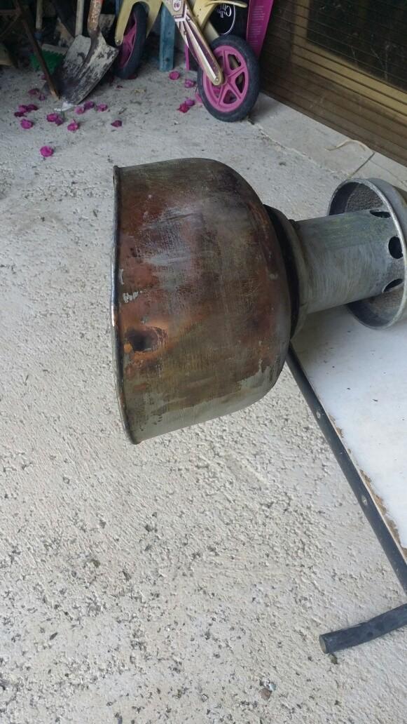 Connaissez-vous l'époque de ce lampadaire? Img_7118