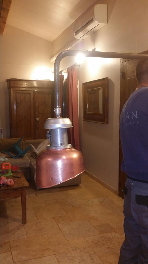 Connaissez-vous l'époque de ce lampadaire? Img_7129