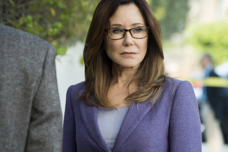 Mary McDonnell Web