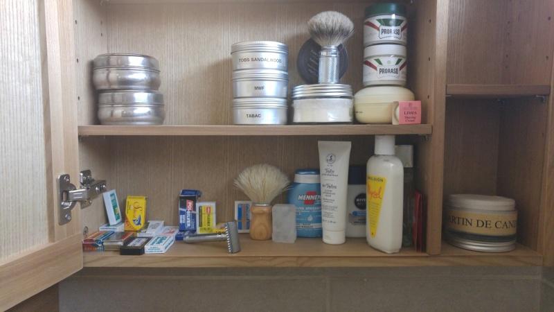 Photos de votre armoire spéciale rasage (ou de la partie réservée au rasage) - Page 25 20160613